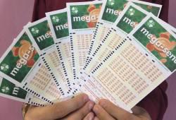 Ninguém acerta a Mega-Sena e prêmio sobe para 45 milhões de reais