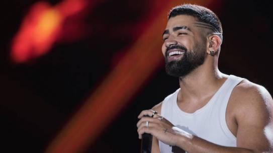 """Dilsinho divulga vídeo da música """"Combinado Não Sai Caro"""""""