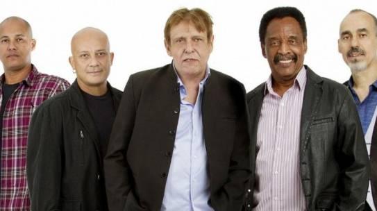 Banda Renato e Seus Blue Caps anuncia retorno à estrada após morte de Renato Barros