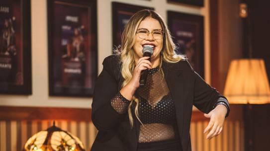 """Marília Mendonça lança single e clipe de """"Rosa Embriagada"""""""
