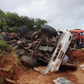 Acidentes em Riacho das Almas e Bezerros deixam dois mortos