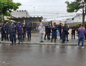 Servidores da Destra realizam apitaço contra a Prefeitura de Caruaru