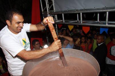 CHOCOLATE-QUENTE-DIVULGAÇÃO.jpg