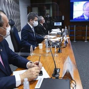 CPI da Covid aprova relatório que pede indiciamento de Bolsonaro
