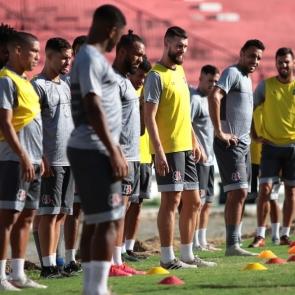 Santa Cruz joga rodada final da Série C para evitar repetir drama de times tradicionais