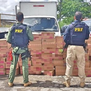 PRF prende homem no Recife com carga de lingerie roubada