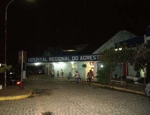 Suspeitos trocam tiros com a polícia em Caruaru e dois morrem no hospital