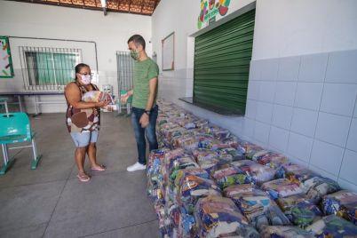 Kits-Escolas-Caruaru.jpg