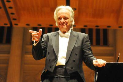 Maestro-Joao-Carlos-Martins.jpg