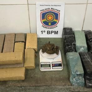 Polícia Militar apreende 12 quilos de maconha em Olinda