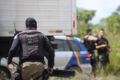 POLÍCIA-Anderson-Stevens.jpg
