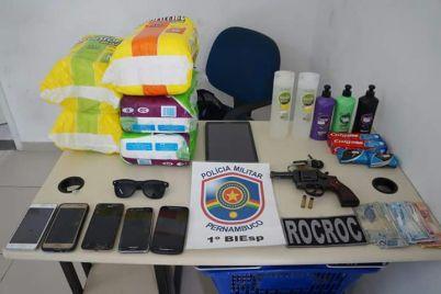 POLÍCIA-MATERIAL-APREENDIDO.jpg