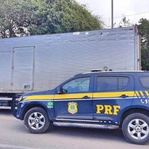 Carga de nove toneladas de margarina sem nota fiscal é apreendida pela PRF em Garanhuns