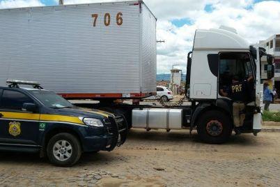 PRF-caminhão.jpg