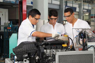 Técnico_em_Manutenção_Automotiva.jpg