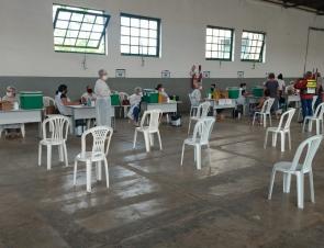Vacinação contra covid-19 é ampliada em Caruaru para idosos a partir de 63 anos