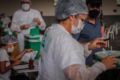 Vacina-Foto-Janaina-Pepeu.jpg