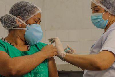 Vacina-foto-Janaina-Pepeu-1.jpg